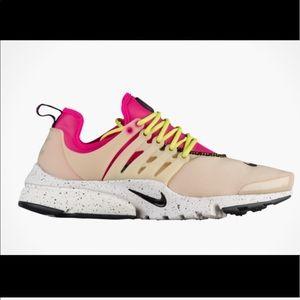 Nike tan and pink presto